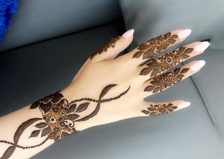 Floral Finger Arabic Mehndi design