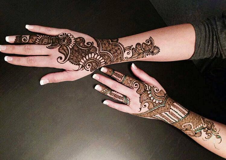 Sparse Arabic mehendi designs